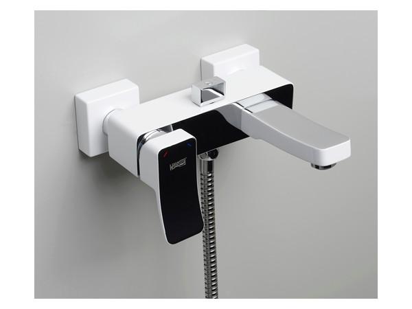 Фото 582: Смеситель для ванны с коротким изливом Wasserkraft Aller 1061 белый
