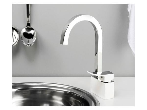 Фото 6285: Смеситель для кухни с поворотным изливом Wasserkraft Aller 1067 white